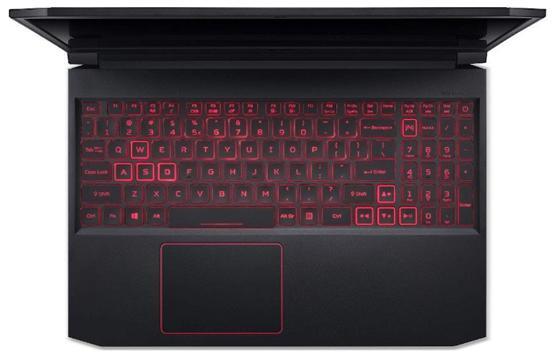 Клавиатура ноутбука Acer Nitro 7 с включенной подсветкой
