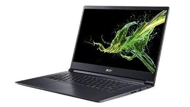 Ноутбук Acer Aspire 7 в рабочем режиме