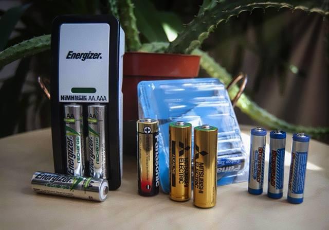 Сравнение перезаряжаемых аккумуляторов и одноразовых батареек