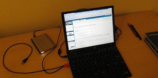 Внешний жесткий диск подключенный к ноутбуку