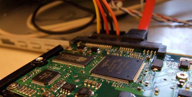 Подключение жесткого диска компьютера по интерфейсу SATA