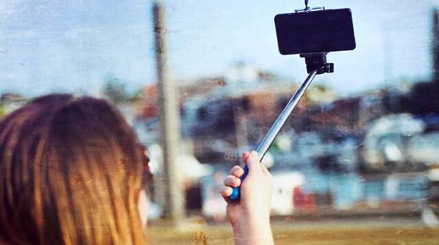 съемка фотографий смартфоном в режиме селфи