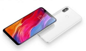 Xiaomi Mi 8 – последний флагман уходящего года
