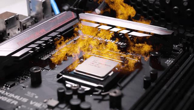 Перегретый процессор на материнской плате в огне