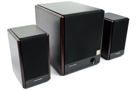 Microlab FC330 выделяются мощными басами