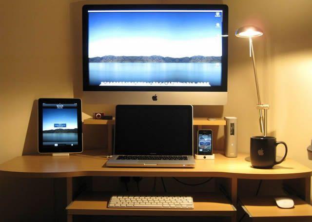 Рабочее место оборудованное устройствами компании Apple