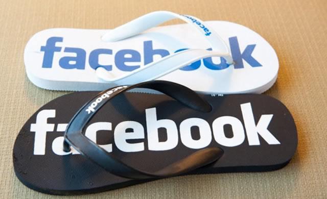 Тапочки-въетнамки в стиле Facebook