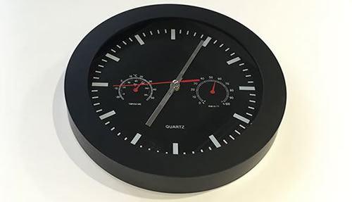 Настенные часы в расцветке стиля YouTube