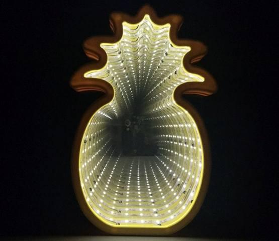 Бесконечное зеркало с подсветкой