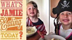 Джейми Оливер показывает личную кулинарную жизнь