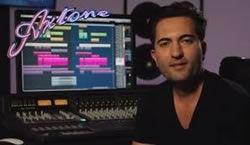 Deniz Koyu показывает, как создает музыку