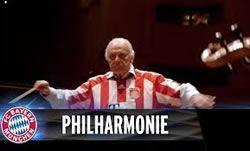 Канала Bayern Munich показал хоровое пение с оркестром